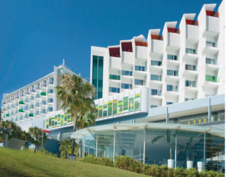 Chic Style at the DoubleTree by Hilton Resort - Home & Lifestyle Magazine