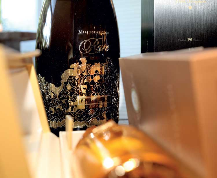 UNCORKING A SPECIAL EVENING OF FINE CHAMPAGNE AND CAVIAR - Home and Lifestyle Magazine